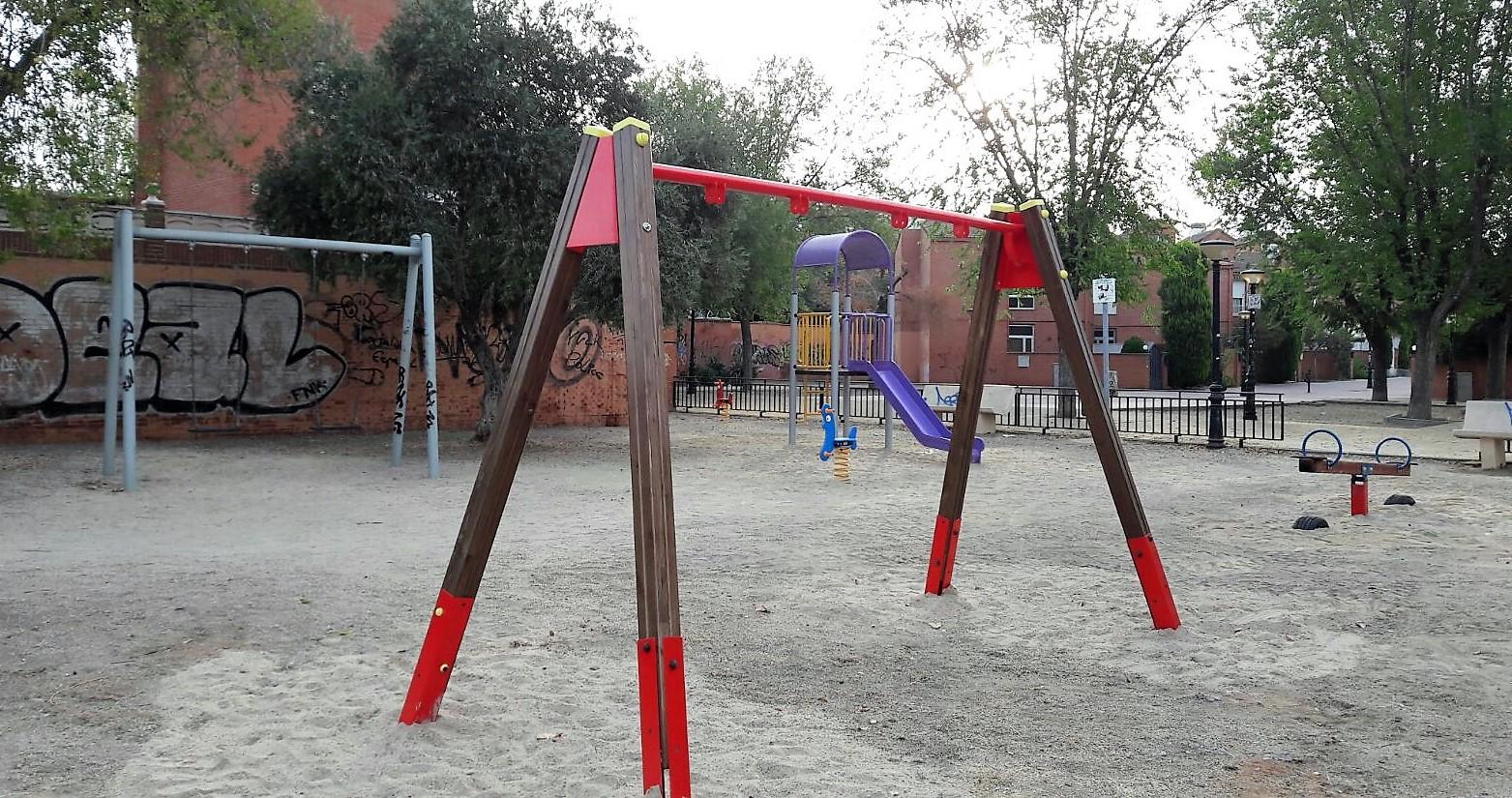 El Ayuntamiento de Velilla continúa con las mejoras en los parques del municipio