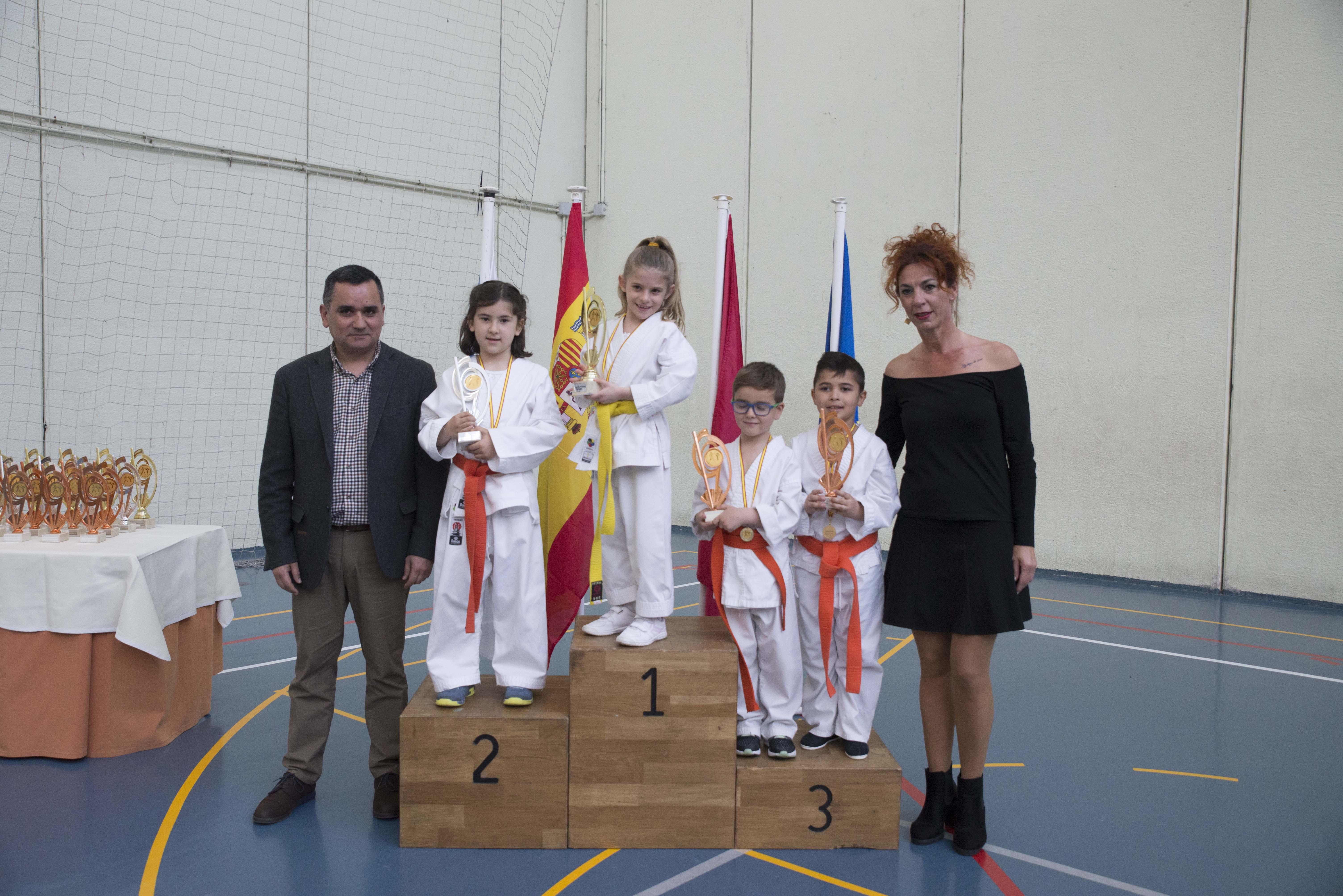 300 karatekas participaron en el Campeonato de Primavera de Karate de Velilla