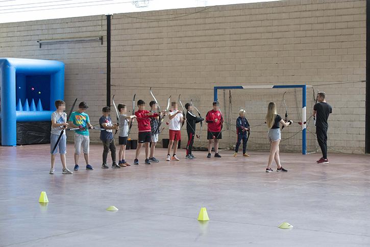 El sábado 19 de mayo se celebró en las instalaciones deportivas municipales un combate de arqueros