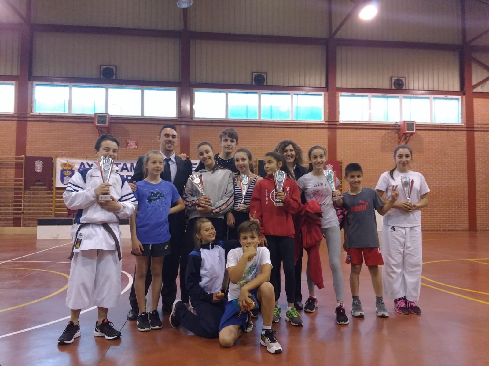 El karate velillero finaliza la temporada con nuevos triunfos