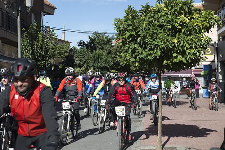 230 ciclistas participaron en el Día de la Mountain Bike