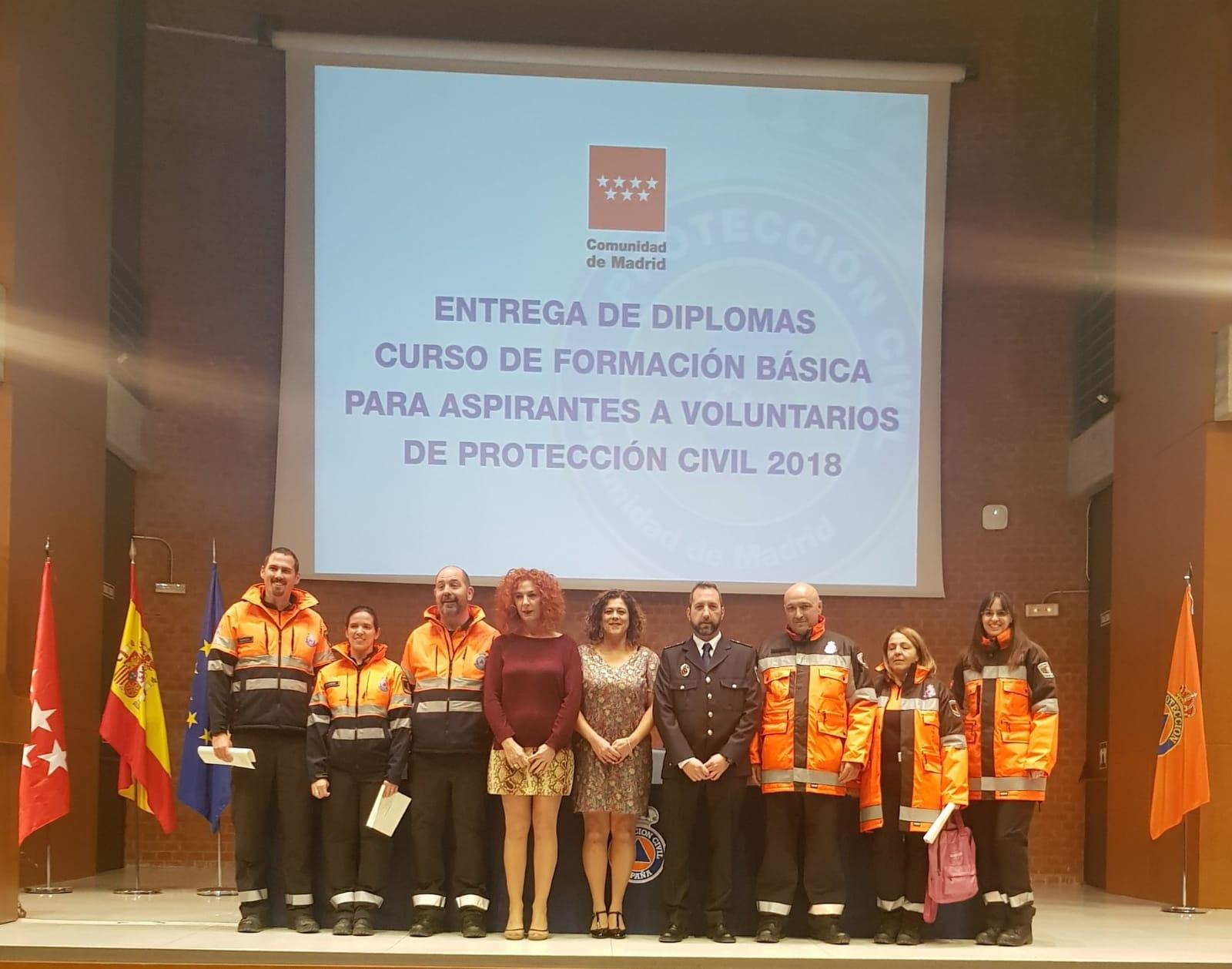 Seis alumnos de la Agrupación Protección Civil Velilla recibieron los diplomas como nuevos voluntarios