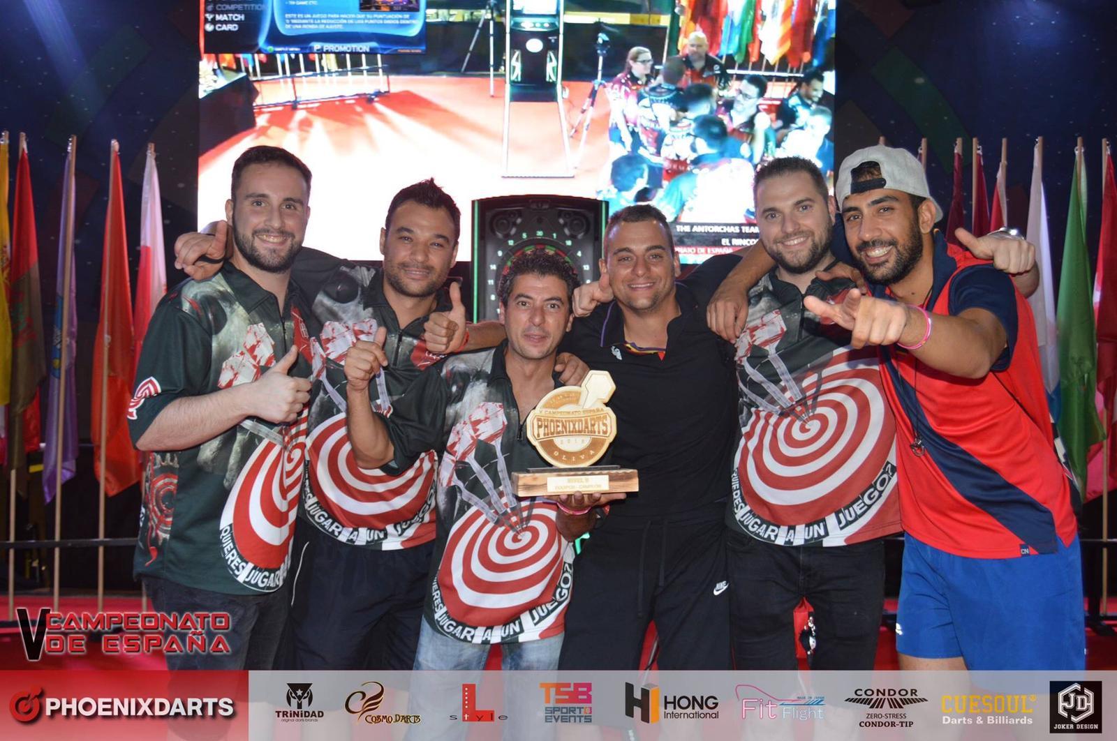 El equipo de dardos de Velilla The Antorchas Team, campeones de Madrid y de España