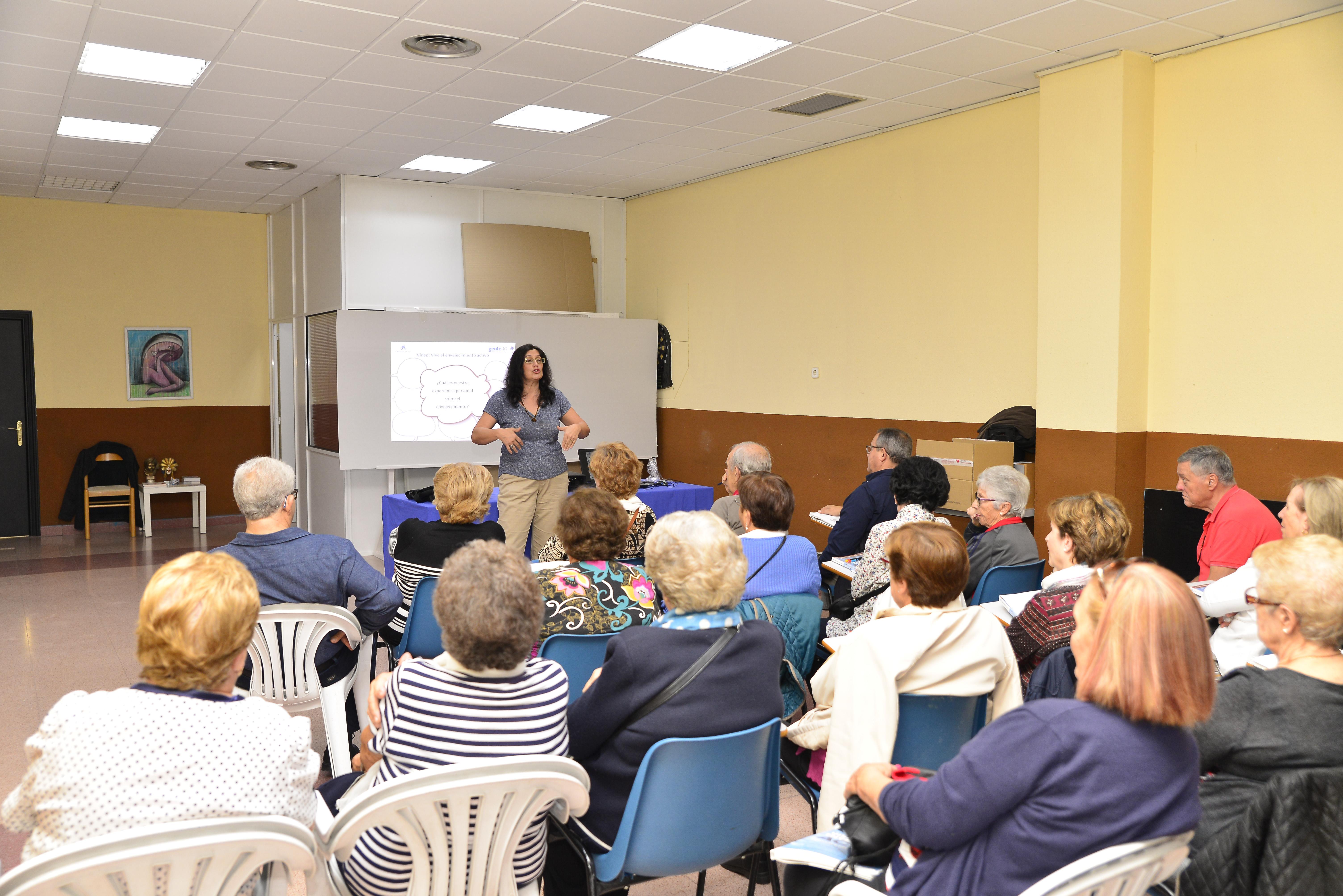 El lunes se inauguró el taller Actívate en el Hogar del Mayor de Velilla