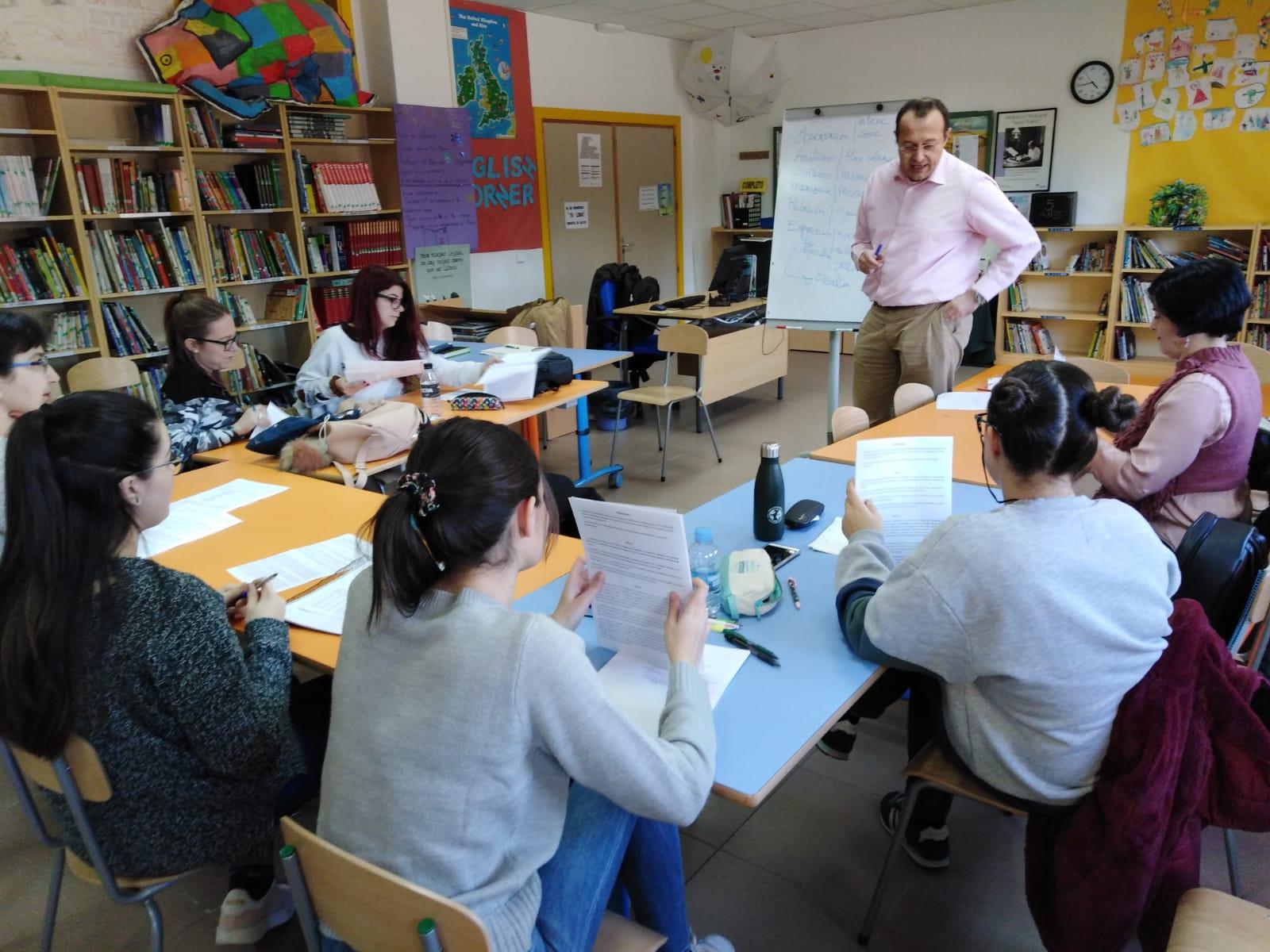 El lunes comenzó el Programa de capacitación para educadores en Velilla