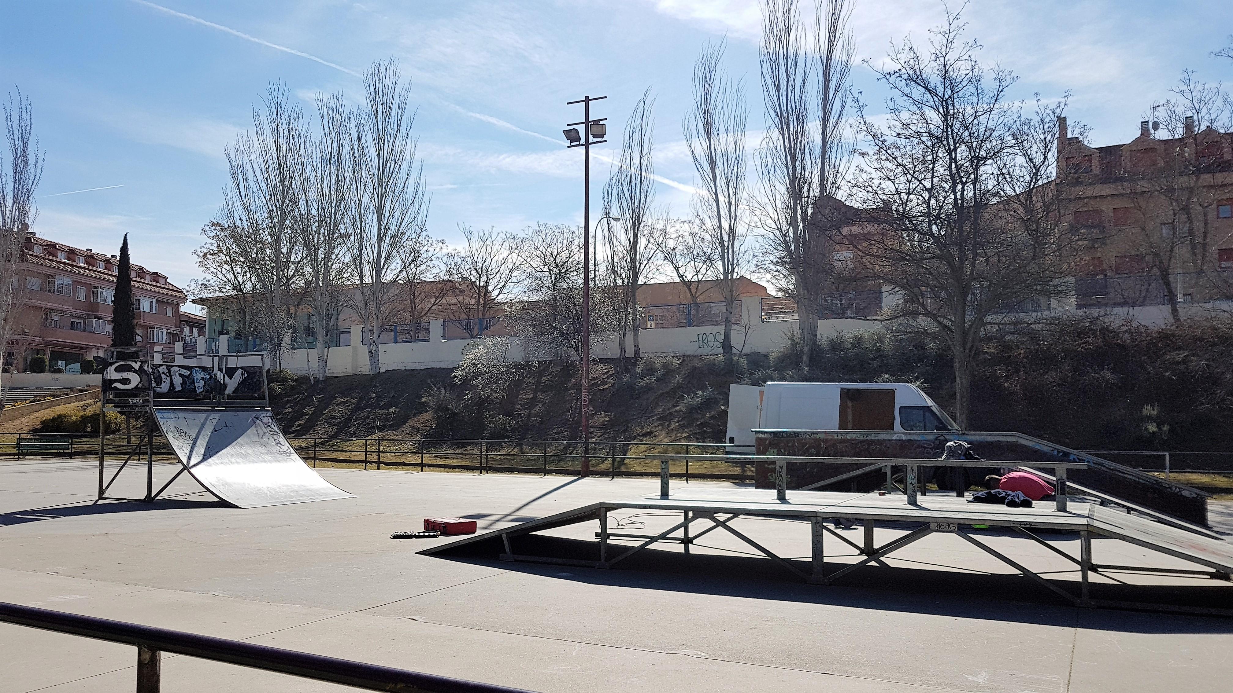 Traslado del skatepark con motivo del comienzo de las obras de ampliación del instituto