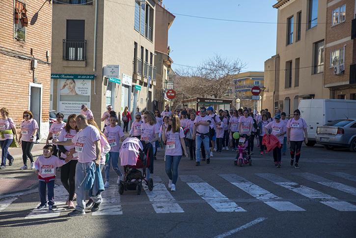 La Carrera de la Mujer tiñe de rosa las calles de Velilla