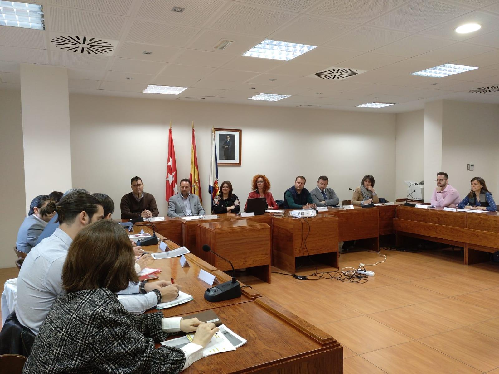 Encuentro de empresas en la clausura de Velilla Conect@ Empleo