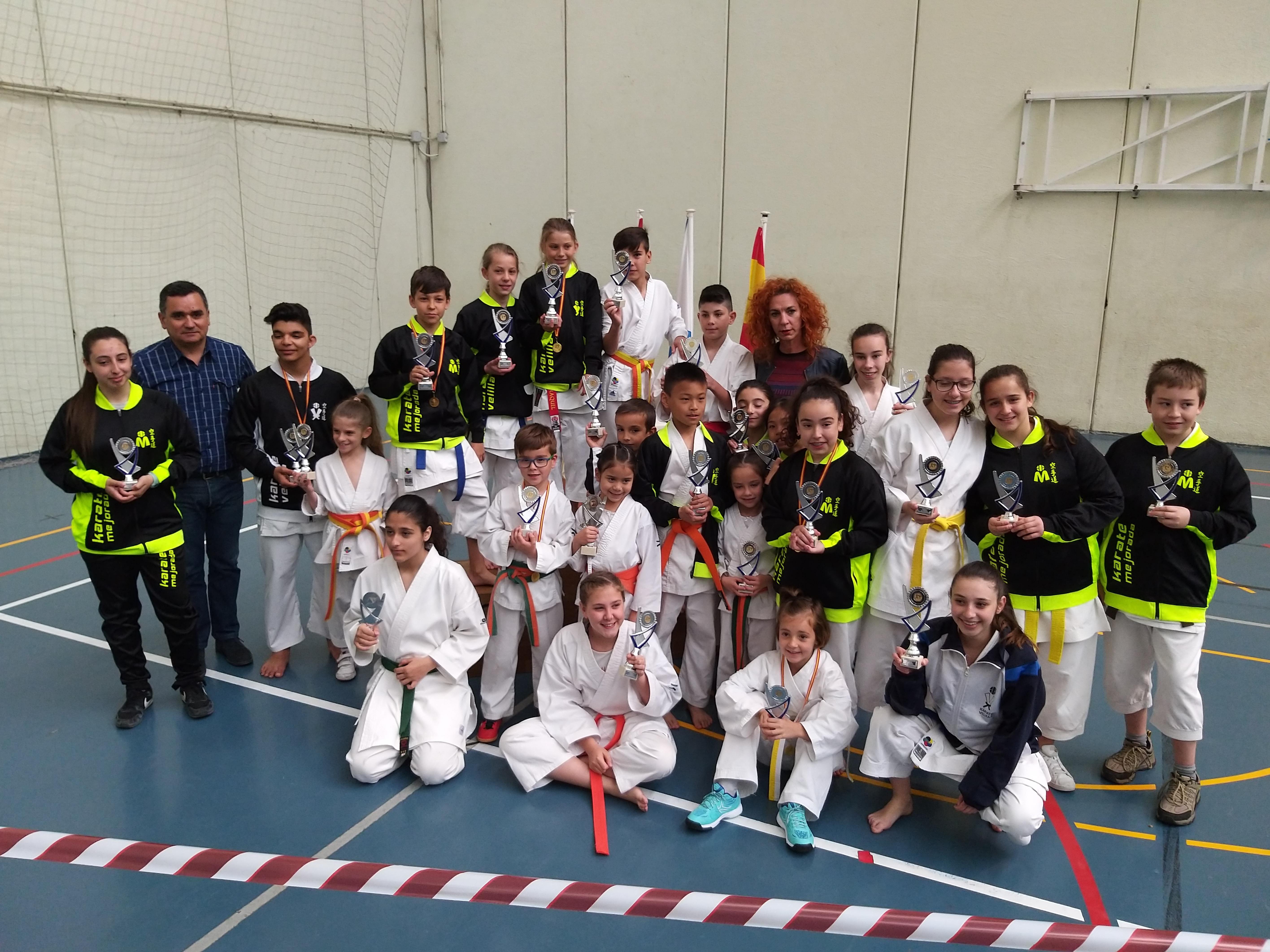 Nuevos triunfos del karate velillero en el campeonato de primavera