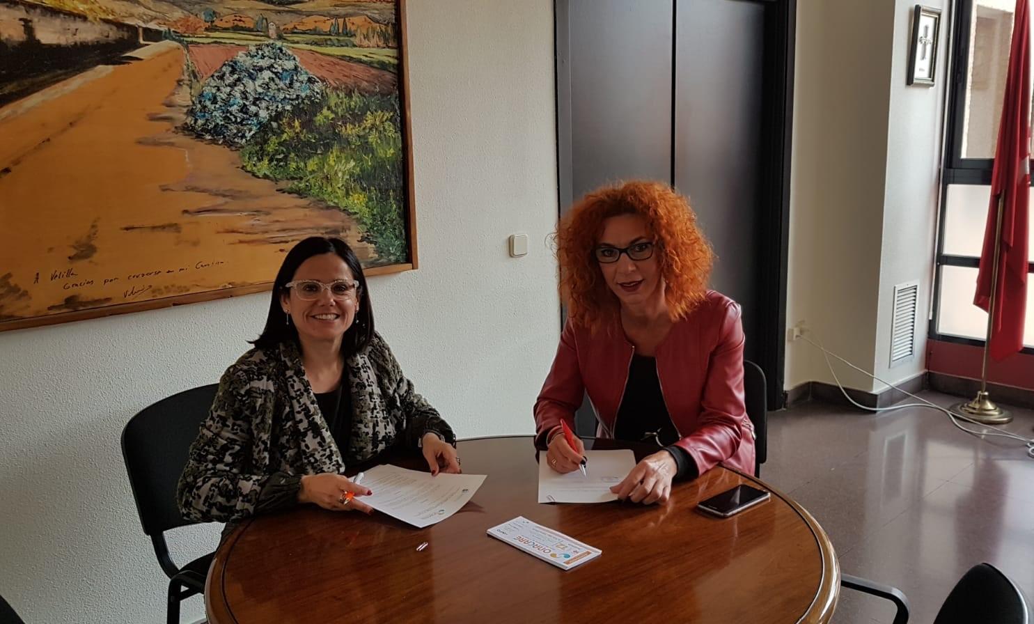 La Alcaldesa de Velilla ha firmado un convenio con la empresa OnaCare para fomentar el empleo en el municipio