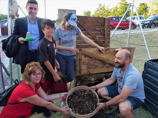 Primera cosecha de compost