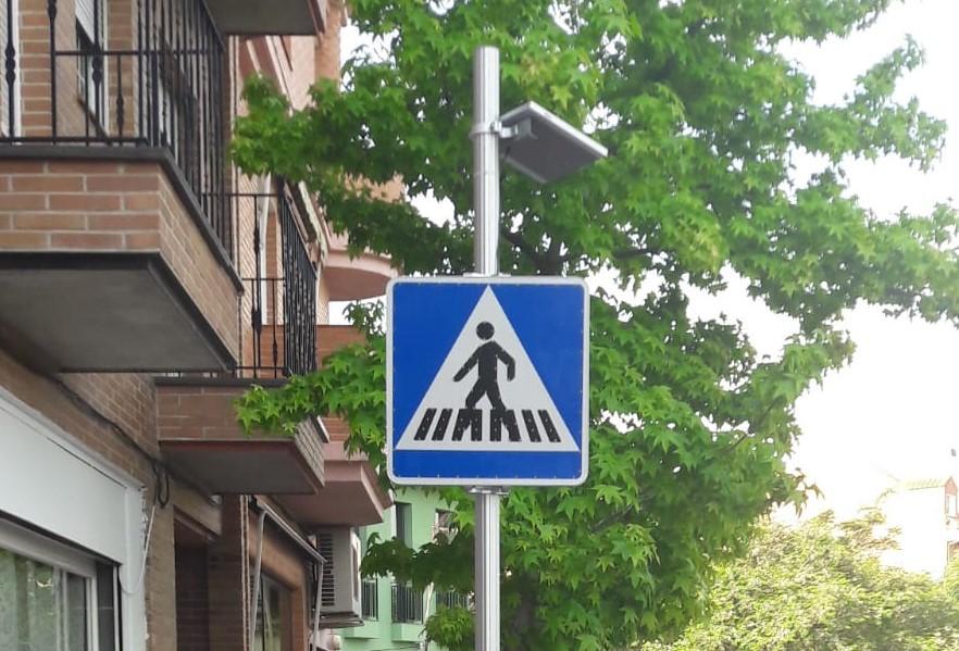 Comienza la instalación de las señales luminosas verticales
