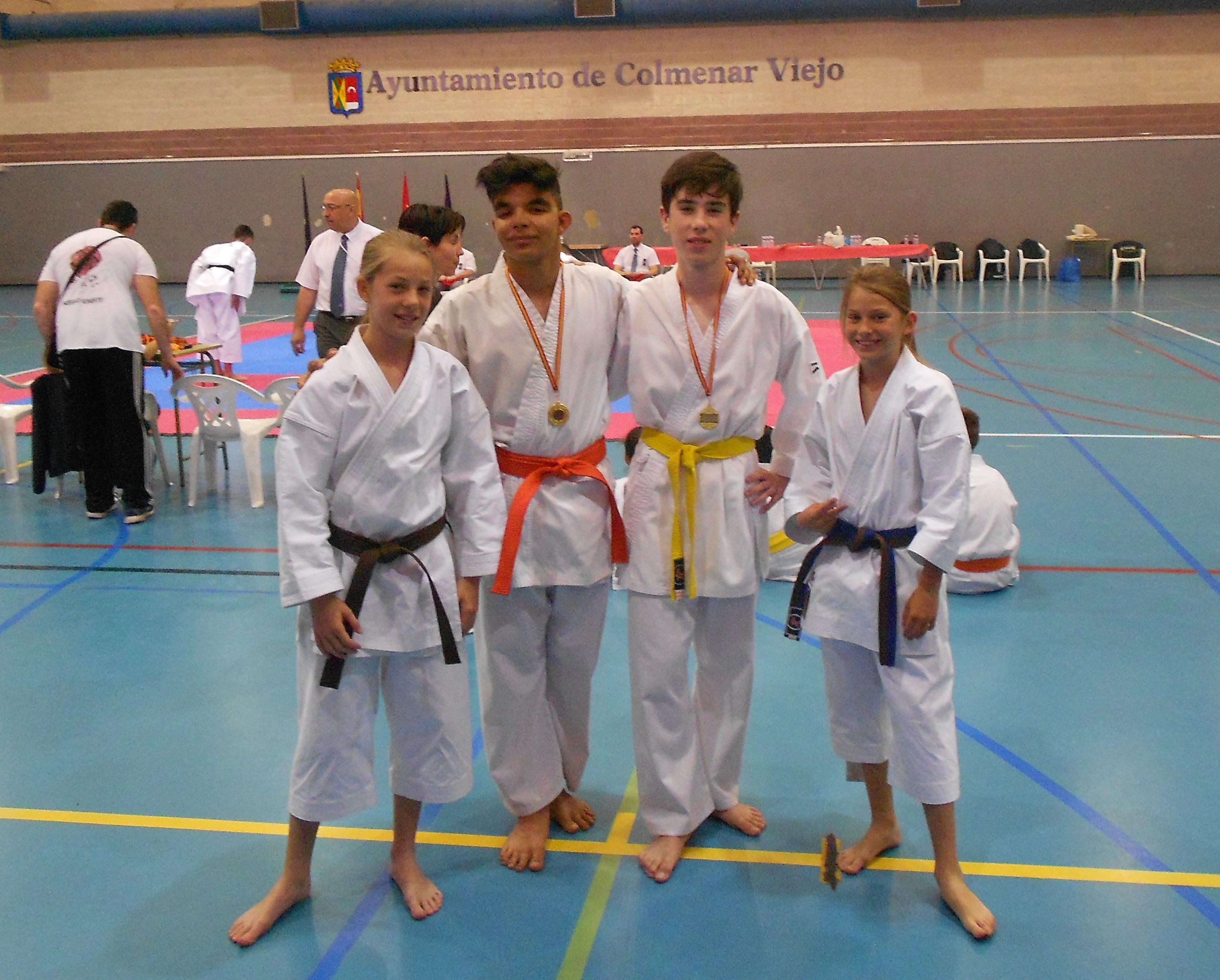 El karate velillero se alza con dos trofeos en Colmenar Viejo