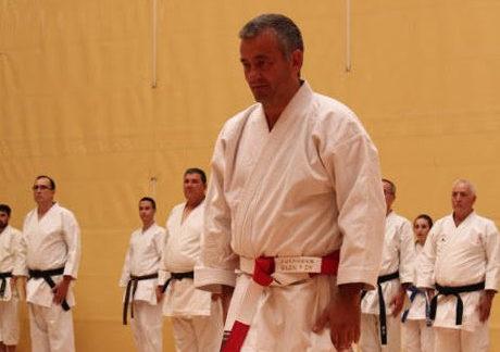 Juan Antonio Jiménez, profesor de la escuela municipal de karate, cinturón negro 6º Dan