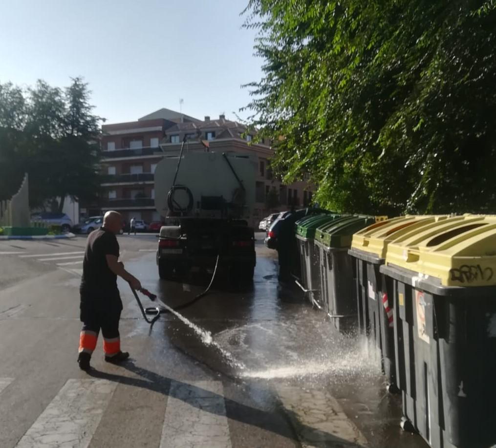 Limpieza de contenedores de residuos