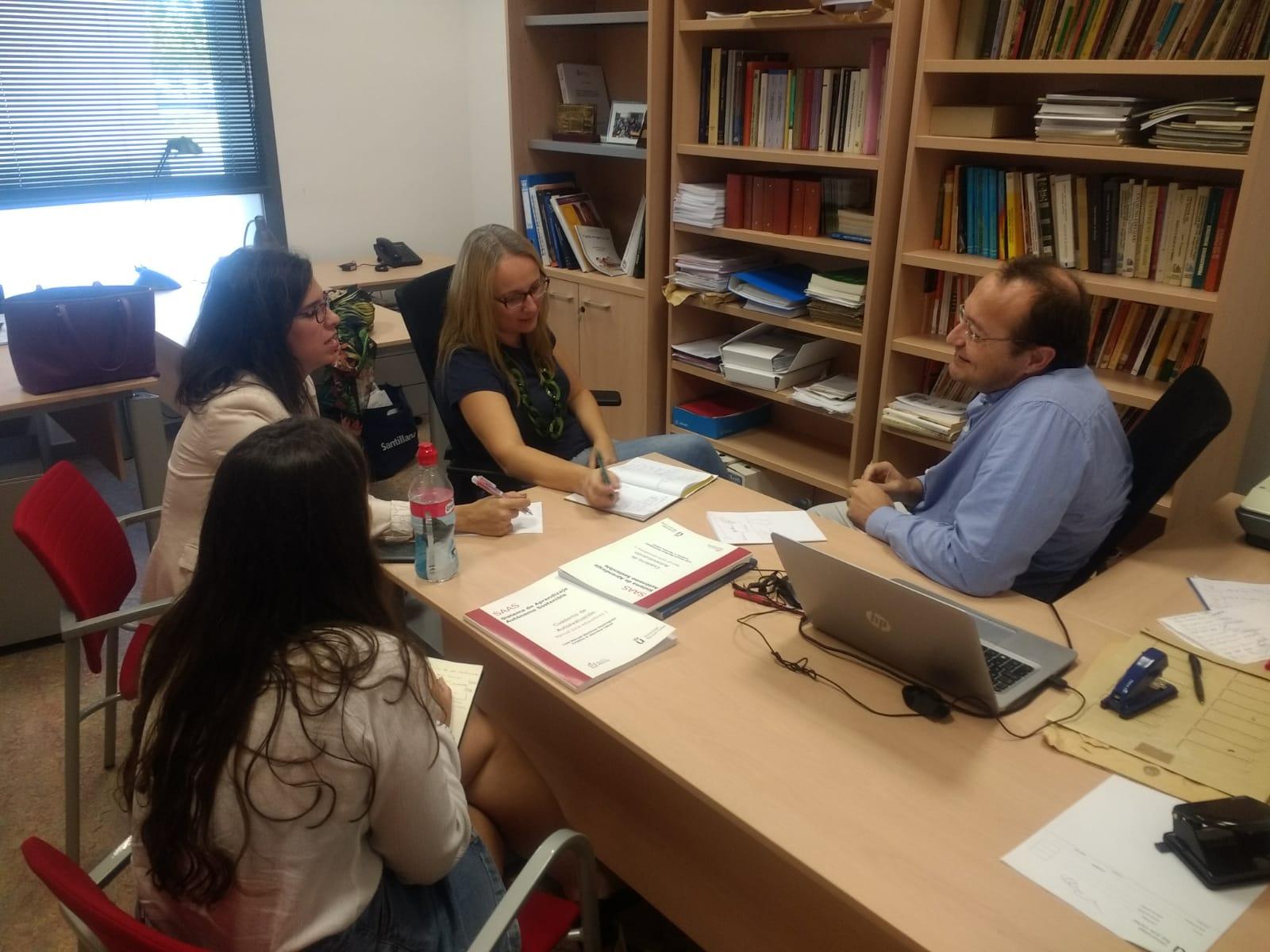 El taller de aprendizaje autónomo en el aula continuará este curso en los centros educativos de Velilla