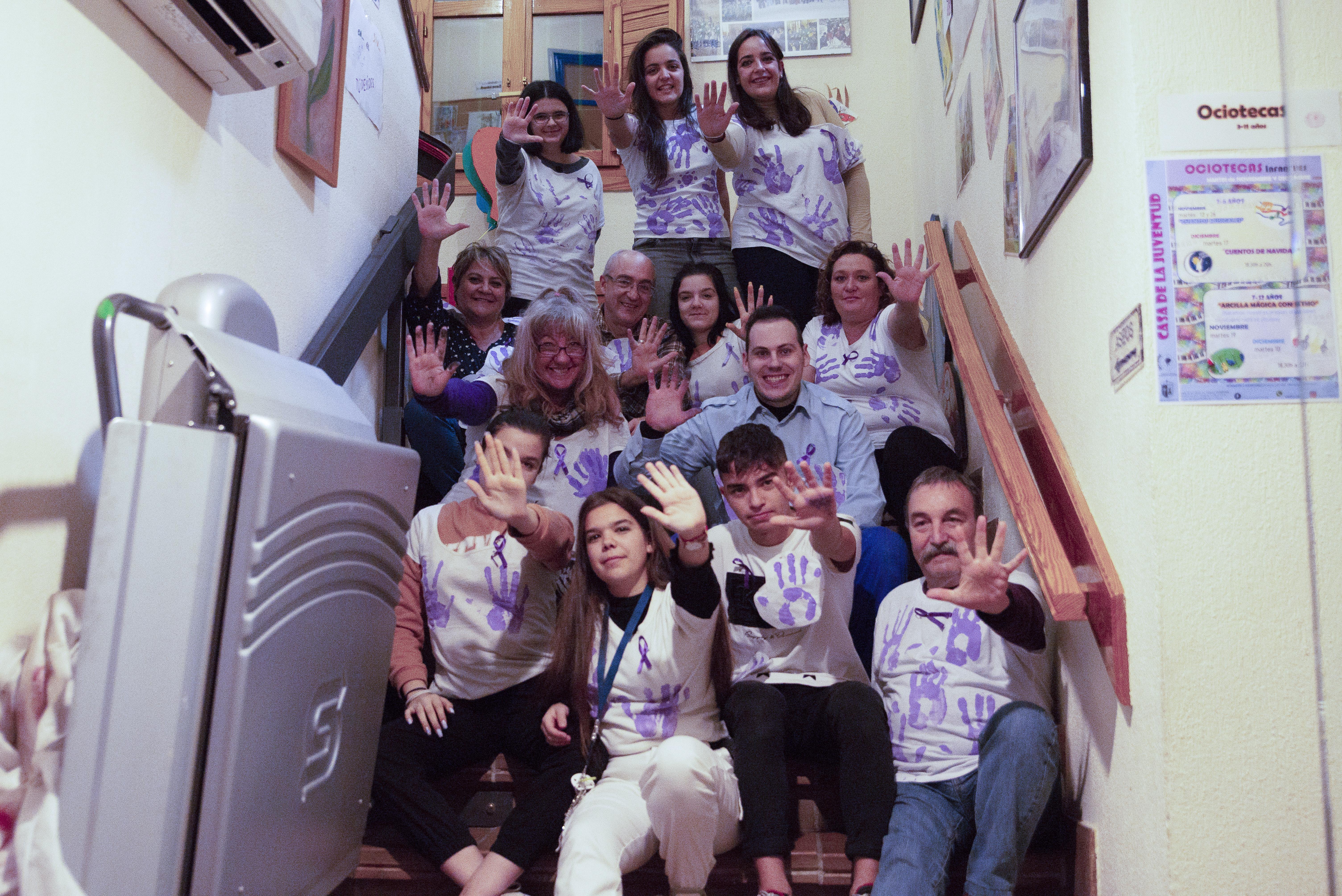 La Casa de la Juventud conmemoró el Día Internacional de la Eliminación de la Violencia contra las Mujeres con una muestra performance y una pintura mural
