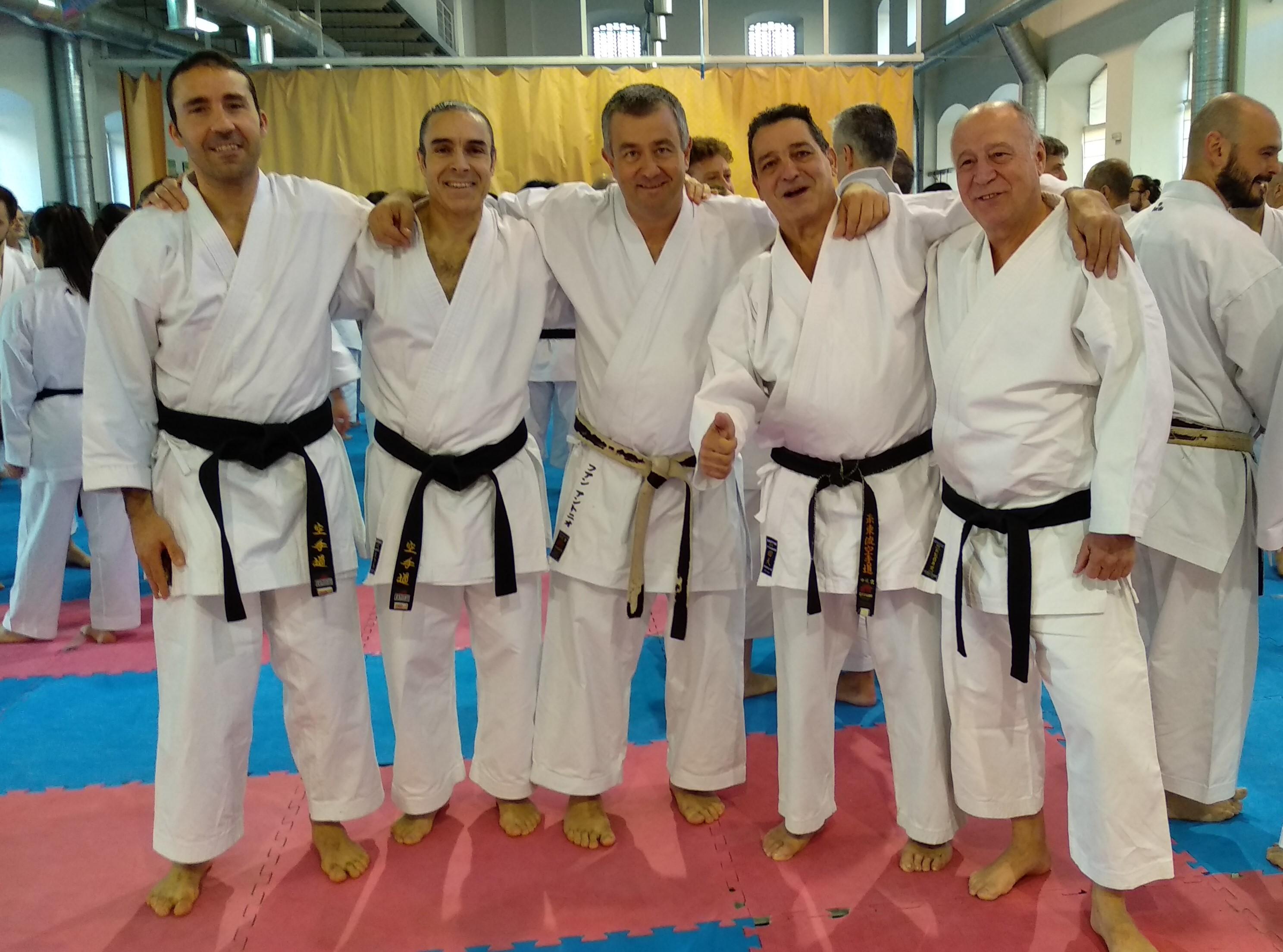 Alumnado de la Escuela Municipal de Karate participó este fin de semana en el curso de Yasunari Ishimi