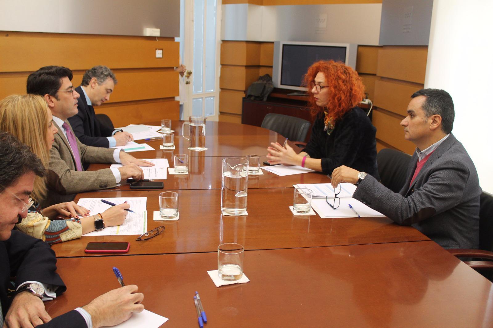 La Alcaldesa y el Concejal de Urbanismo valoran positivamente la reunión con el Consejero de Administración Local