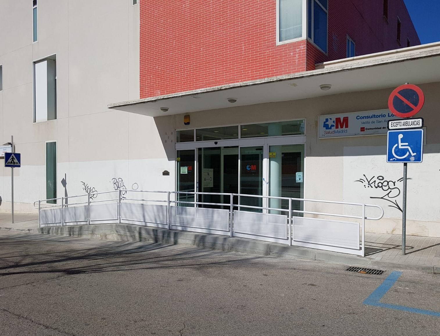 Finalizadas las obras de mejora de la accesibilidad al Centro de Salud