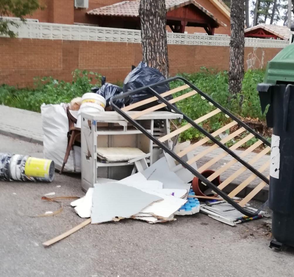 La Concejalía de Servicios Generales vuelve a hacer un llamamiento a los vecinos y vecinas de Velilla solicitando su colaboración con los servicios de limpieza
