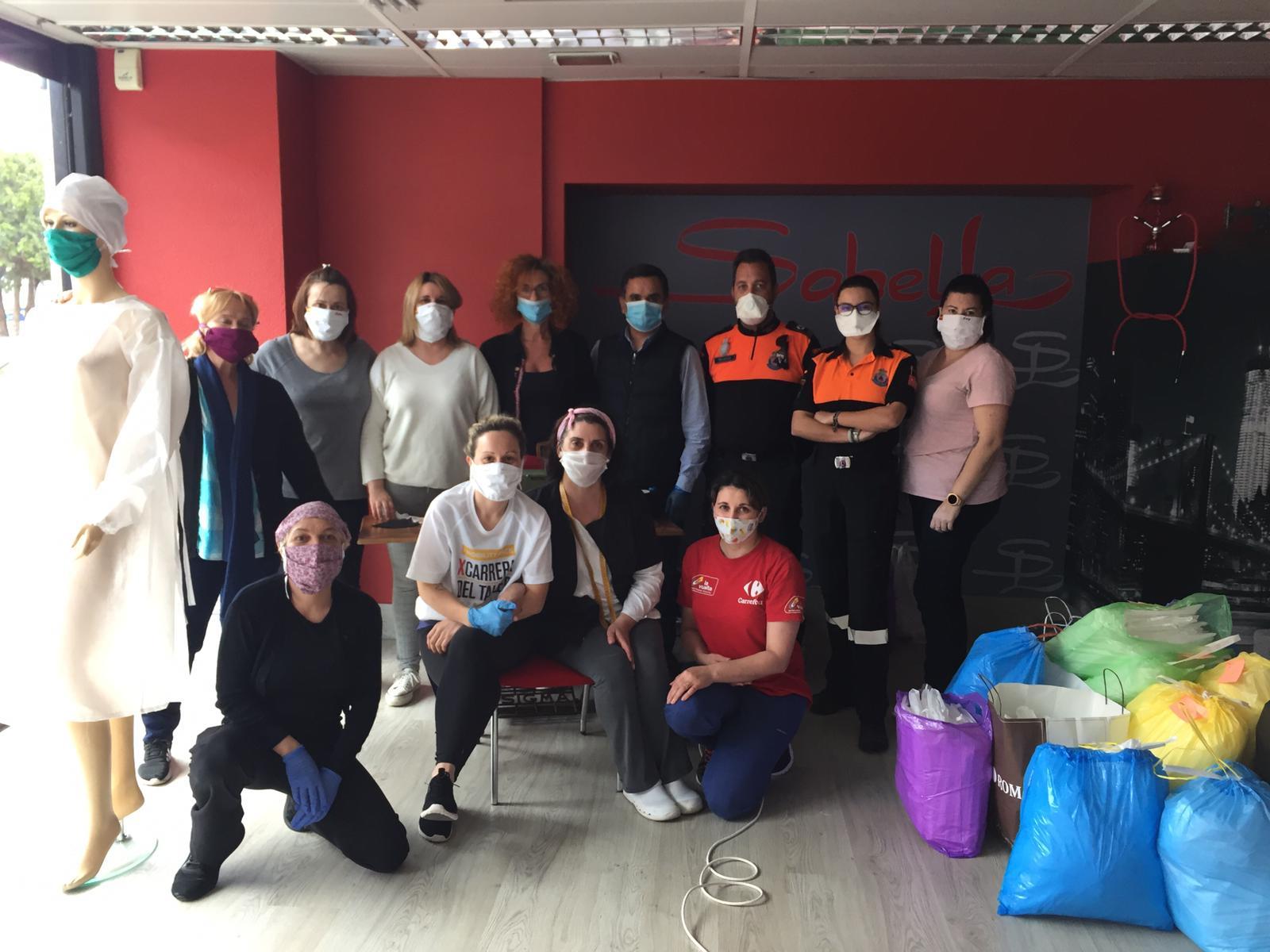 La confección de mascarillas de tela, otra gran iniciativa de los velilleros y velilleras