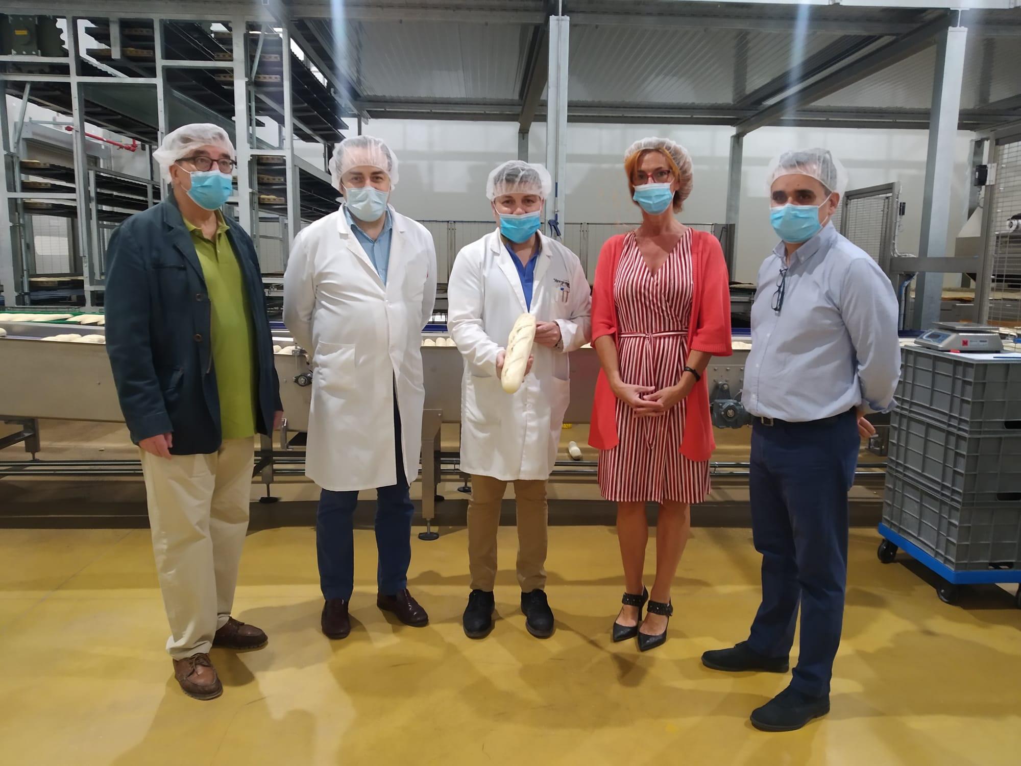 La Alcaldesa y el Concejal de Ordenación del Territorio, visitan las instalaciones de la empresa Madripan