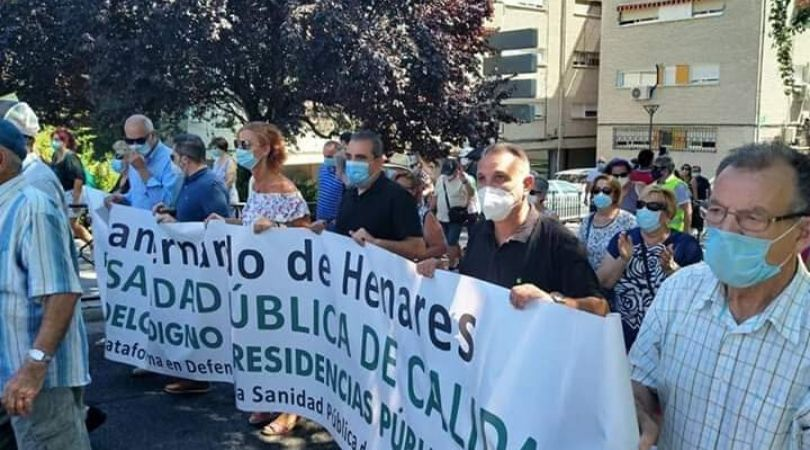 El Ayuntamiento de Velilla participó ayer en la marcha reivindicativa organizada por la Plataforma en Defensa de la Sanidad