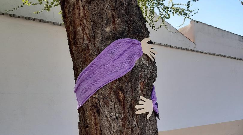 Velilla se viste de morado por el 8 de marzo