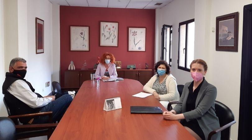 Encuentro con la Asociación de Familias y Mujeres del Medio Rural