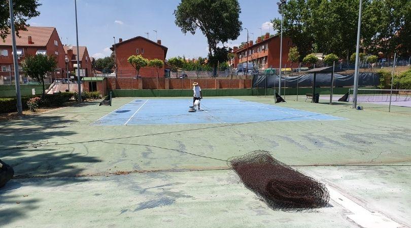 Comienza la remodelación de otras dos pistas de tenis