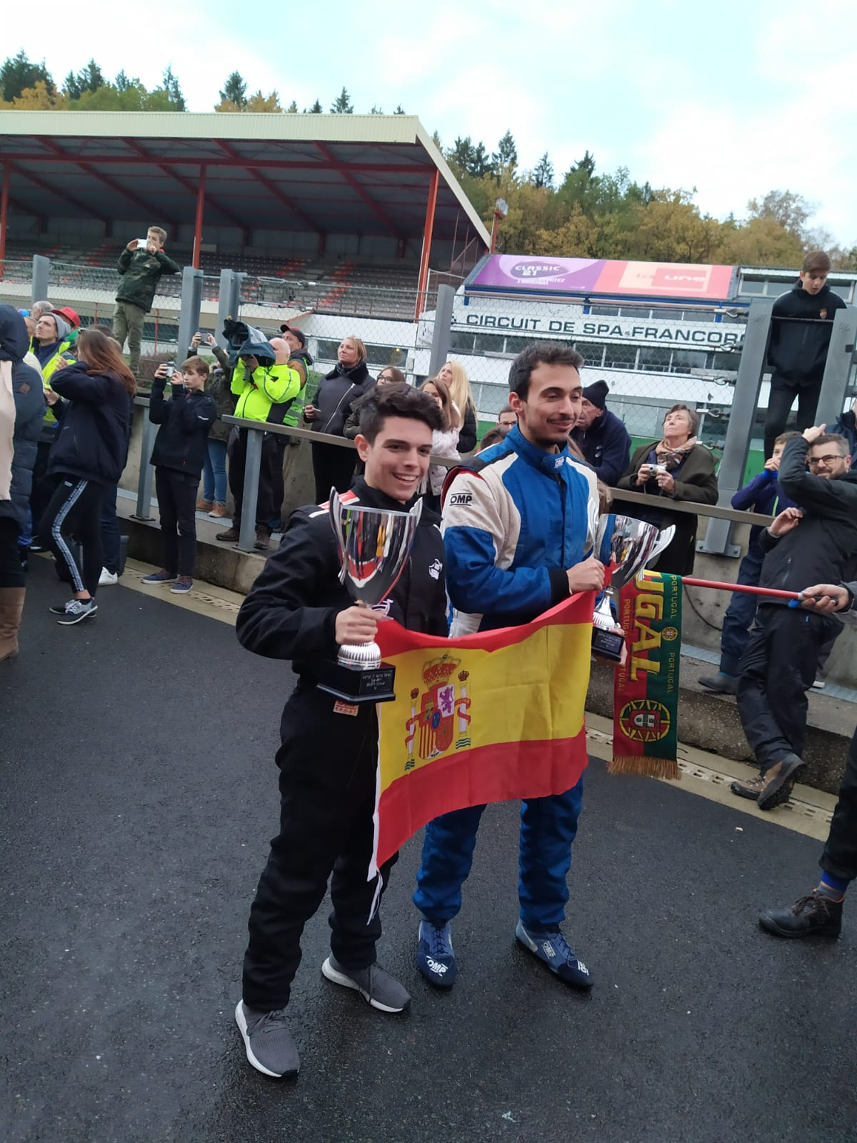 Hugo Hernández, piloto velillero, y su equipo, Gianfranco Motorsport, ganaron las 24H 2CV en Spa