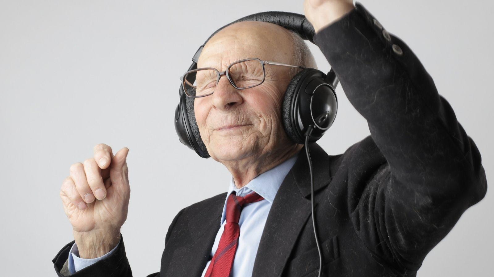 Risoterapia y Musicoterapia para personas mayores