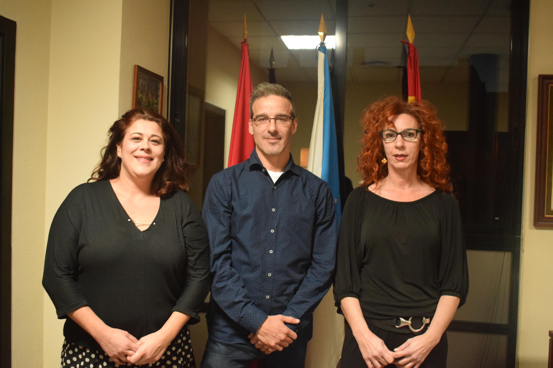 La Alcaldesa y la Concejala de Infancia y Juventud reciben a David Calle