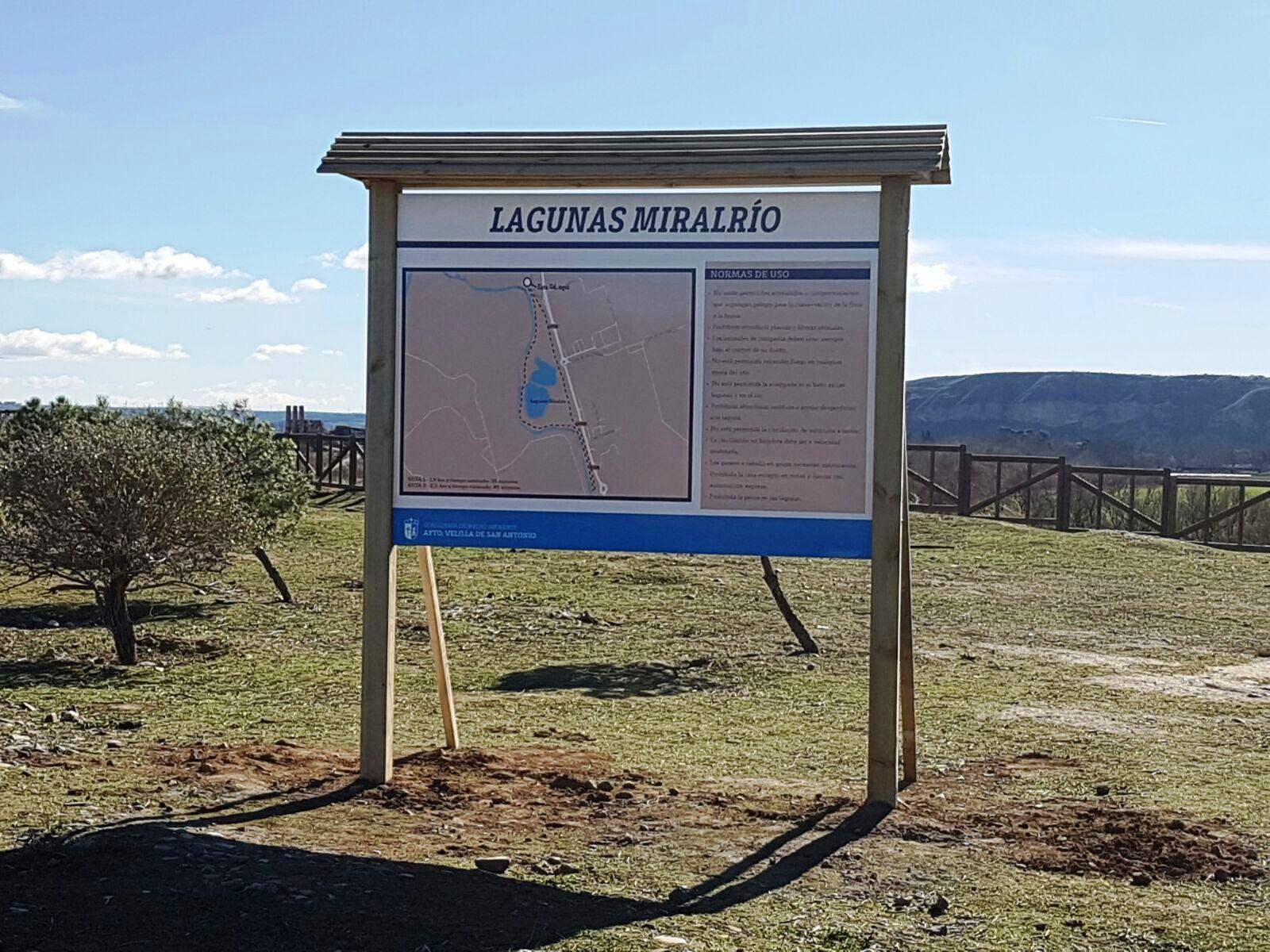 El Ayuntamiento instala paneles informativos en las Lagunas de Velilla