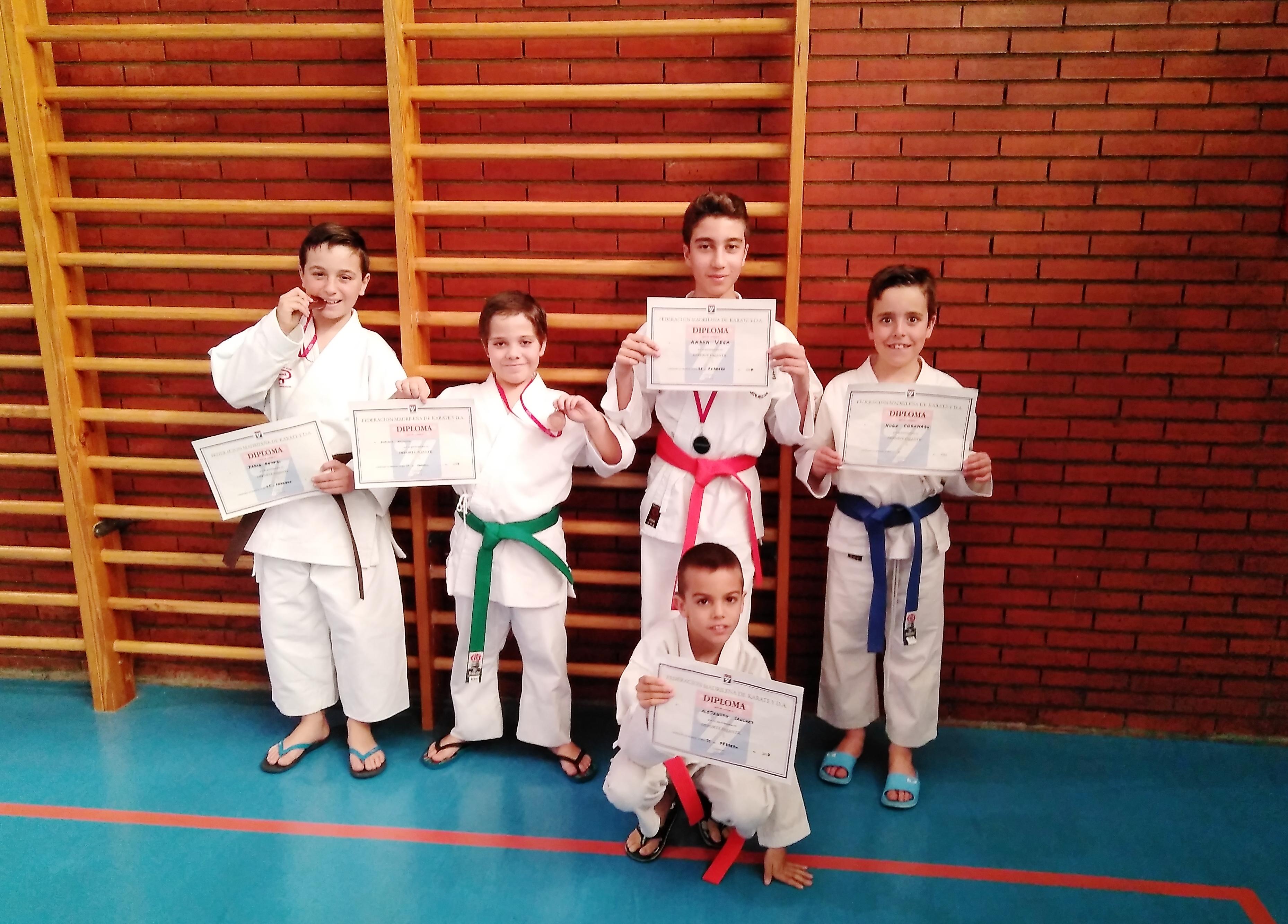 Los karatekas del Club de Velilla logran sus mejores resultados en la competición DEUCO Fase Area.