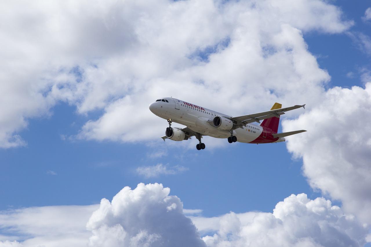 El Ayuntamiento de Velilla logra que Aena evalúe los niveles de ruido generados por los aviones en el sector XXIII