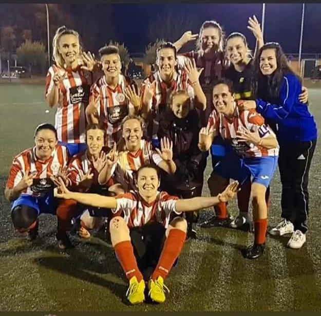 El equipo femenino de fútbol 7 Atlético Velilla, campeonas de la liga mancomunada