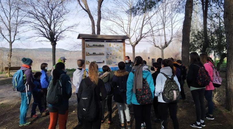 """Más de 900 alumnos de Velilla han participado este curso en el programa municipal """"Conocer tus humedales"""""""