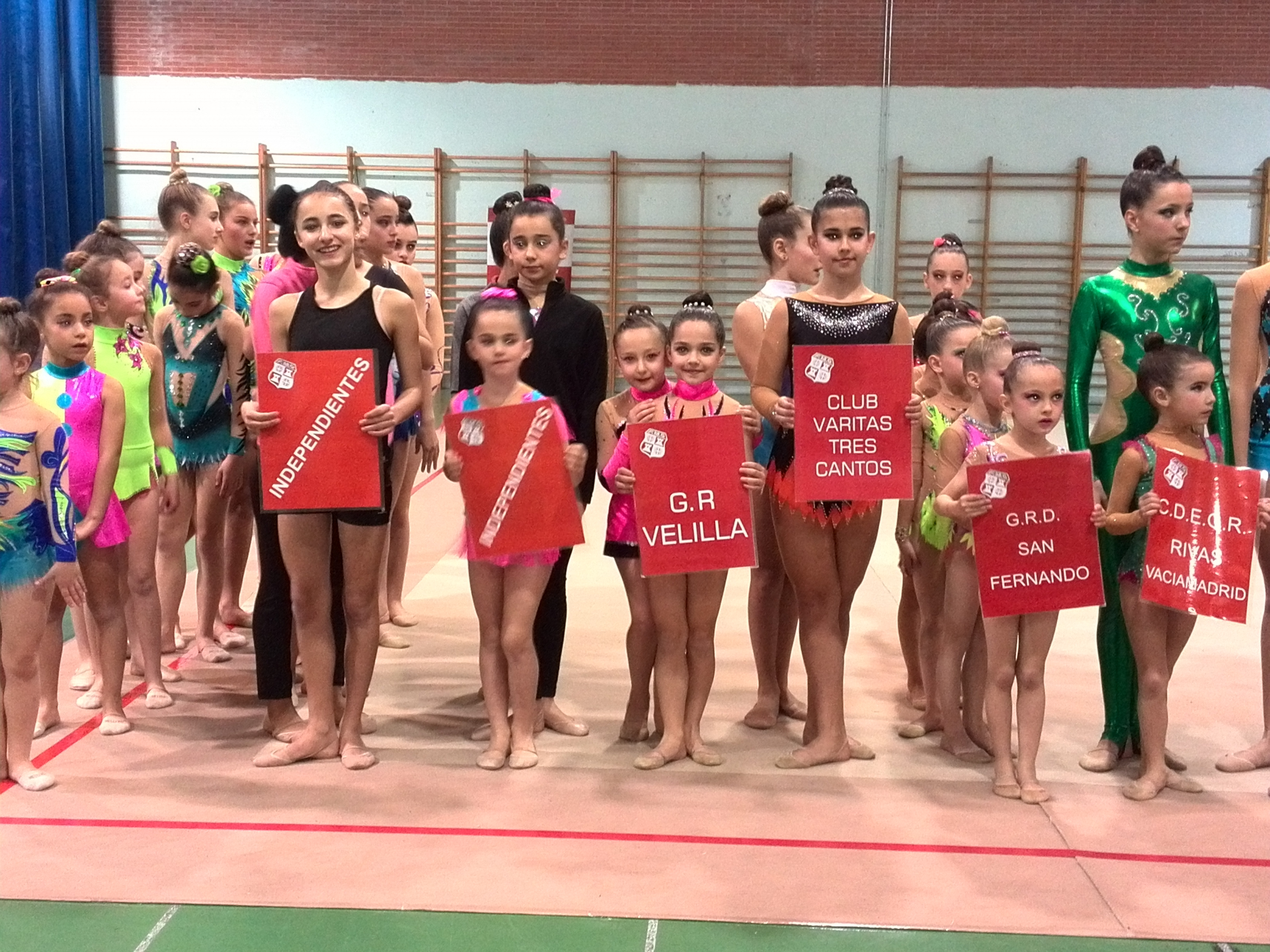 Medalla de oro para las gimnastas del Club de Gimnasia Rítmica Velilla