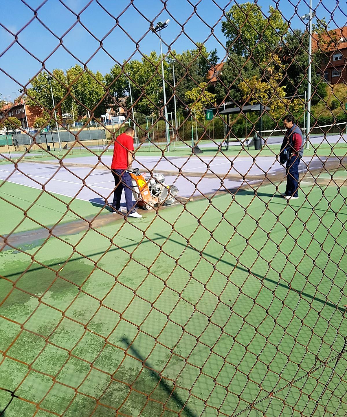 Comienzan las obras de reparación de las pistas de tenis de las IDM