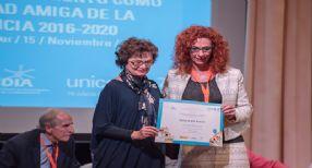 Velilla recogió ayer el sello de reconocimiento por UNICEF.